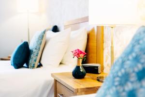 10 day healthy spa break twin beds in lovely guestroom