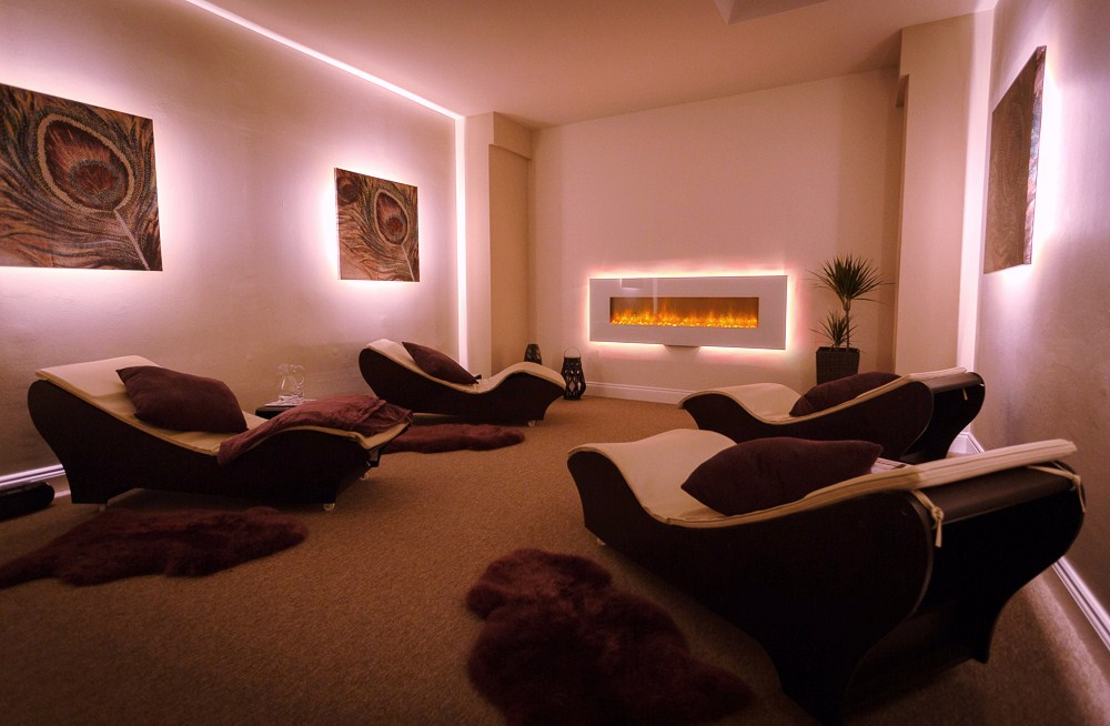 relaxation spa room with relaxing chairs